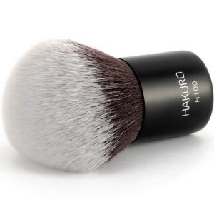 jak czyścić pędzel do makijażu